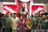 Resmikan patung Soekarno, Megawati dan Prabowo datangi Akmil