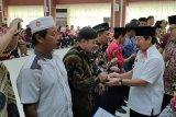 Wali Kota Herman HN serahkan 2.000 sertifikat tanah kepada warga