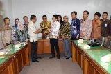 Optimalkan PAD, Komisi 1 DPRD Kalteng kaji banding ke Bapenda Jatim