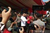 Presiden Joko Widodo jadi buruan kalangan jurnalis se-Indonesia untuk swafoto
