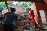 Korban longsor Candiroto terima bantuan logistik dari BPBD Temanggung