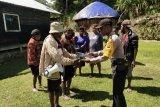 Binmas Polres Tolikara sambangi warga Kampung Danggulurik