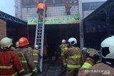 Satu pegawai tewas dalam kebakaran kafe di Jatinegara