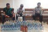 Puluhan botol miras asal Bitung disita polisi Pelabuhan Jayapura