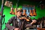 Produksi alat musik biola