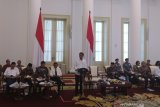 Jokowi urges ministries to accelerate budget realization to move the economic sectors