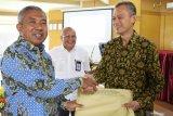 LL Dikti Wilayah X Serahkan 342 sertifikat pendidik pada dosen yang lulus sertifikasi