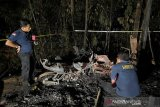 Tim Labfor periksa penyebab terbakarnya rumah hingga seorang perempuan tewas