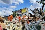 Kerugian indekos tiga lantai yang roboh ditaksir capai miliaran rupiah