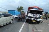 Kecelakaan beruntun di Brebes, empat orang luka