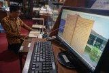 Digitalisasi naskah koleksi perpustakaan Reksa Pustaka
