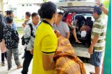 Seorang guru dan anaknya jadi korban tabrakan di Sampit