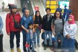 Alhamdulillah, lima mahasiswa Riau tiba usai karantina