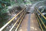 Akses menuju Geopark Ciletuh Palabuhan Ratu dikepung banjir dan longsor