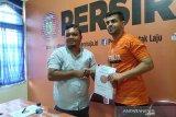 Persiraja resmi kontrak pemain timnas Lebanon Samir Ahmed Ayaas