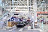 Sejumlah produsen mobil siap buka kembali pabriknya di China