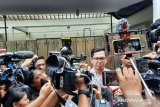 Aktor Tommy Kurniawan ikut sholat jenazah Ashraf Sinclair