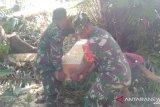 TNI bantu siapkan bahan bangunan korban bencana banjir di Sangihe
