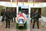 Jenazah korban heli Mi 17 Praka Risno disemayamkan di Yonif 725/Wrg