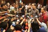 Presiden Joko Widodo cermati banyak dana daerah mengendap pada 2019
