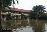 Diguyur hujan semalaman, SMPN 34 Semarang terendam banjir
