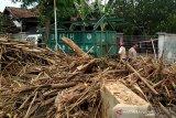 Gubernur Jateng ajak masyarakat Kudus tidak buang sampah di sungai