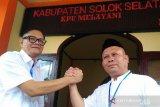 Pasangan Jon Matias-Jufrial serahkan 15.632 dukungan di Pilkada Solok Selatan