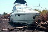 Kapal WNA terdampar di Pulau Bengkalis akibat kerusakan mesin