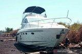 Kapal WNA terdampar di Pulau Bengkalis diakibatkan kerusakan mesin