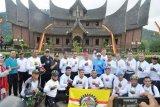 Wakasad impressed with Istano Basa Pagaruyuang in Batusangkar