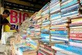 Bazar buku murah efektif rangsang minat baca di Kalteng