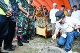 Bupati Poso letakan batu pertama pembangunan rusun Pesantren Walisongo
