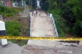 Jembatan Pusung-Surodadi Boyolali ambrol