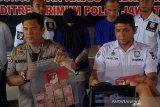 Dua anggota komplotan pembobol ATM BCA di Magelang diringkus
