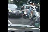 Pengemudi mobil pukul sopir ambulans, polisi segera menyelidikinya