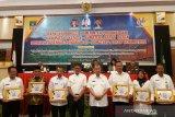 Bupati Pasaman Barat raih penghargaan dua pembina transparansi dana desa tingkat Sumbar