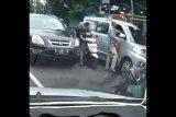 Polisi selidiki seorang pengemudi pemukul supir ambulans di Bintaro