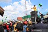 Tuntut pembebasan terdakwa Karhutla, massa demo PN Tembilahan