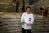 Buwas pastikan beras Bulog sisa impor kualitasnya masih bagus dan layak konsumsi