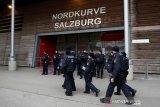 Gara-gara badai paksa laga Salzburg vs Frankfurt ditunda sehari