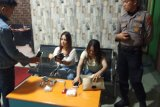 Polda Sumbar razia tempat hiburan malam dan tiga wanita positif gunakan narkoba