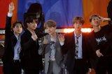 Grup K-Pop BTS batalkan konser di Seoul akibat kekhawatir mengenai virus corona