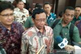 Mahfud minta masyarakat abaikan hoaks soal COVID-19 di Indonesia