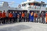 Detik-detik penyelamatan ABK Kapal oleh SAR