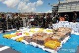 TNI kerahkan KRI Ahmad Yani 351 kirim bantuan ke NTT