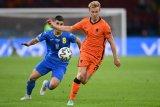 Taktik berisiko tinggi Frank de Boeruntuk sementara  aman-aman saja