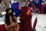 Putri Indonesia ikut vaksinasi massal COVID-19