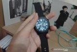 """OASE Horizon W1, """"smartwatch"""" ringan  berfitur lengkap"""