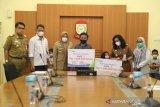 Wawali Makassar salurkan beasiswa BPJS-TK ke ahli waris non PNS