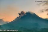 Gunung Merapi luncukan awan panas guguran sejauh 1.400 meter